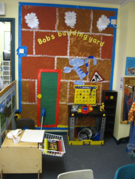 Construction site classroom role play area photo sparklebox for Builders in my area